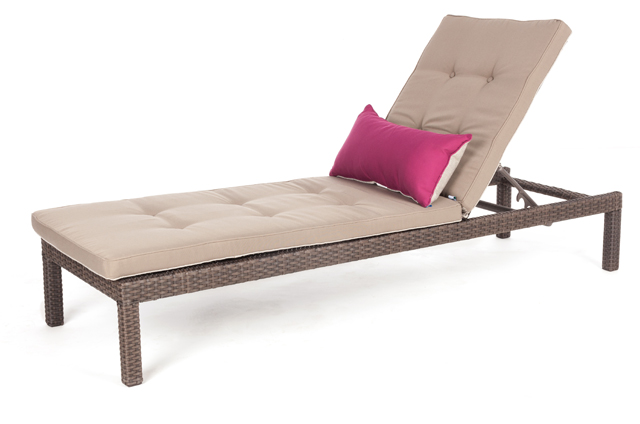 chaise longue flora pour bord de la piscine patio ou jardin. Black Bedroom Furniture Sets. Home Design Ideas