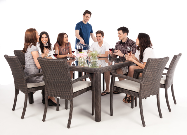 Table a diner patio carr e pour 8 personnes nos meubles for Table exterieure carree 8 personnes
