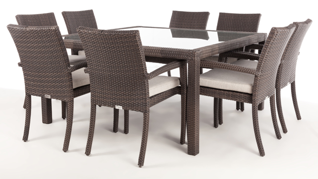 Nico square patio dining table for 8 with glass top for Plaque de verre pour table
